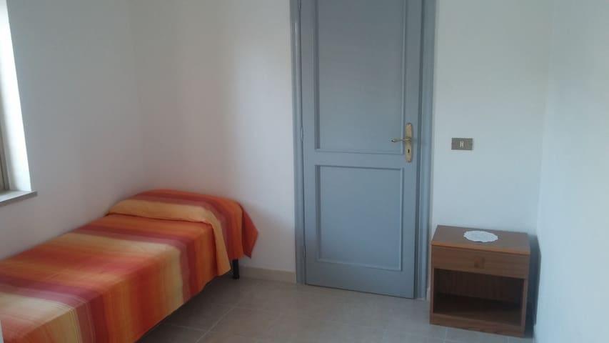 Mini appartamento a Monasterace Marina. Riservato - Monasterace Marina - Apartemen