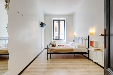 Double room with shared bathroom - Roma - Bed & Breakfast