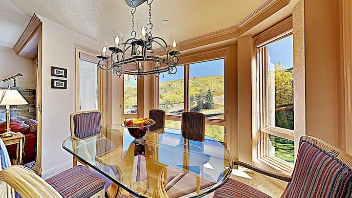 Snowmass Ski-In/Ski-Out Home w/Shared Pool/Hot Tub/WiFi/Lovely Views/Private W/D