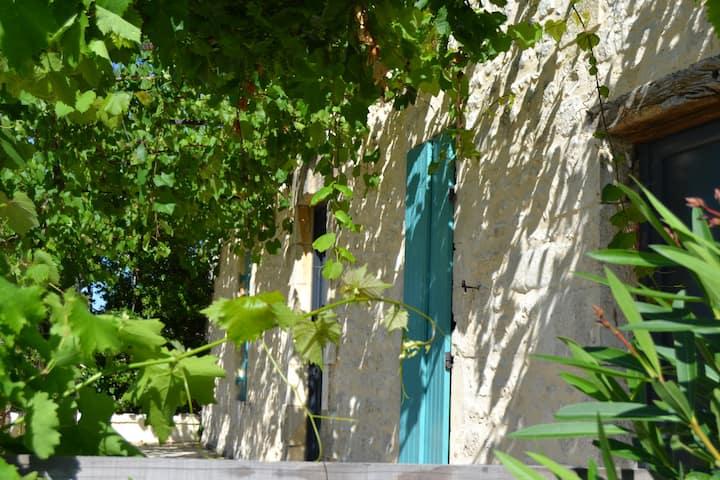 Jolie maison en pierre avec piscine  Monbazillac