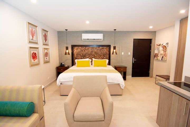 Jungle Vista Inn Luxury Studio *No cleaning fees*