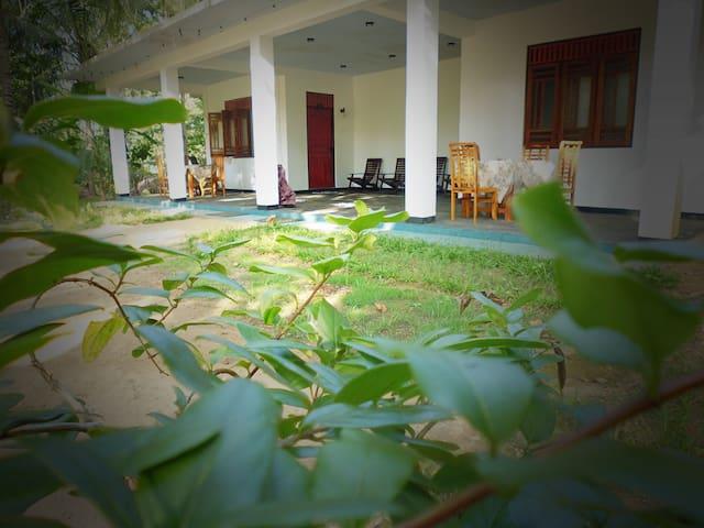 Sigiri Rainbow Lodge - Sigiriya - Bed & Breakfast