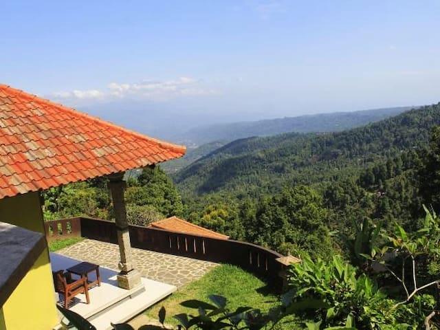 Arya Utama Graden Villa