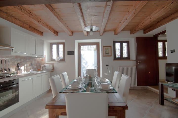 Corte alta Verona House - Poiano - House