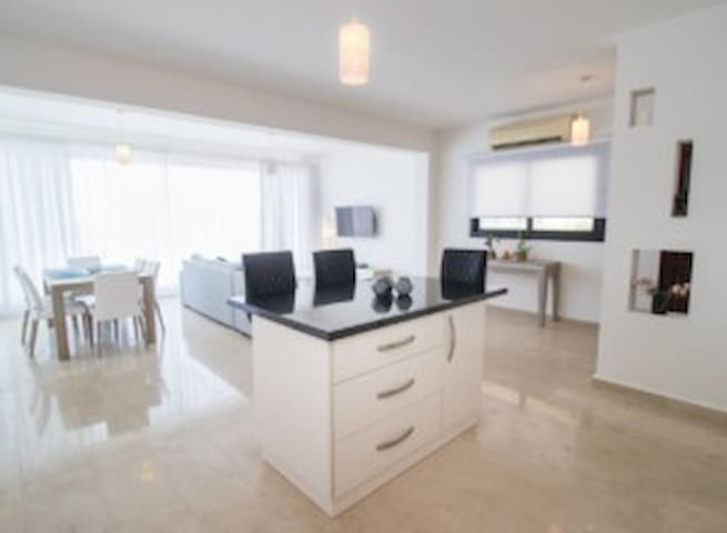 Lapis Villa 2 – Three bedroom villa