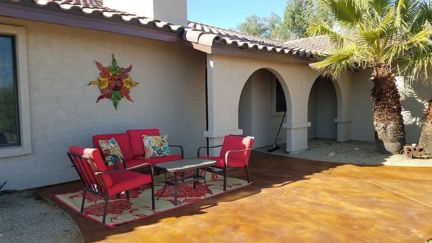 Amazing Wickenburg Getaway-Roper/Golfer Retreat