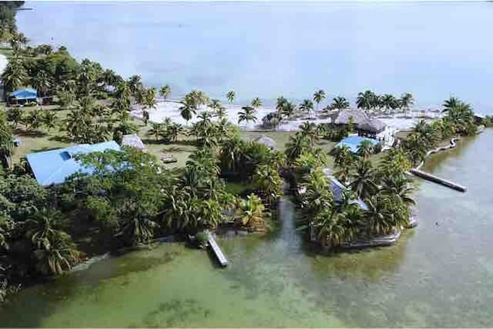 Jaguarundi Shores, Seafront Privacy