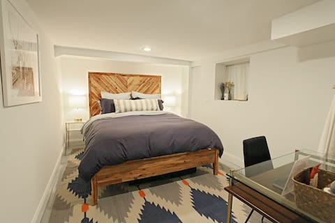 Modern Chicago Bungalow Guest Suite
