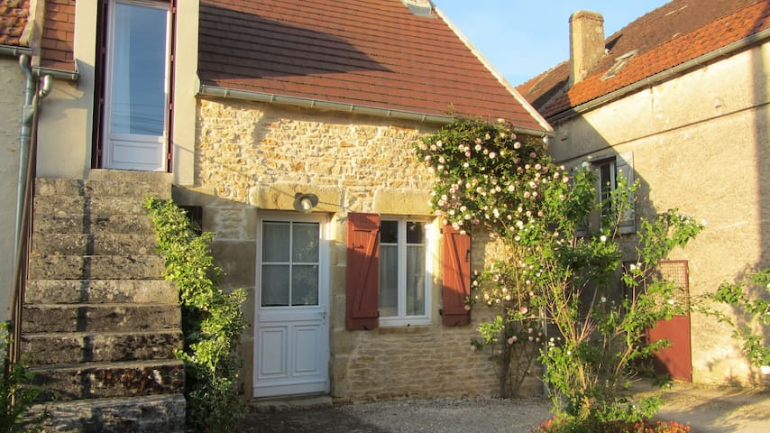 Les petits vergers près de Vézelay - Montillot - Hus