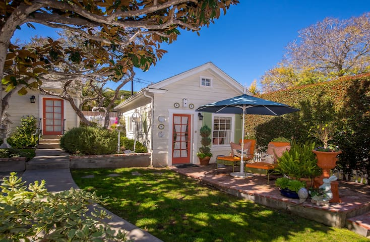 Historic Point Loma Cottage with Loft - San Diego - House
