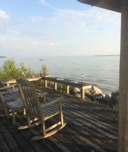 Very Private Lake Michigan Cottage!