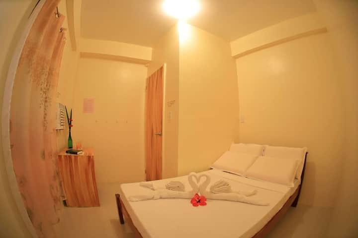 Baletin Hometel: Twin Sharing Bed (Room #7)