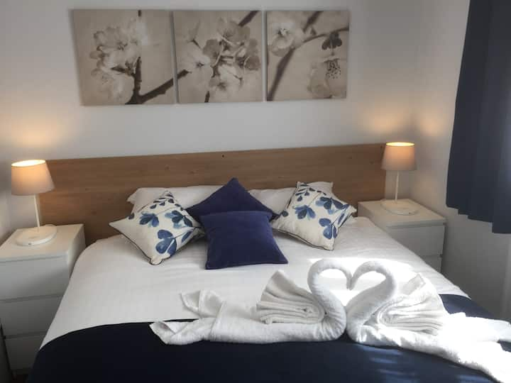 Apartment London RM14