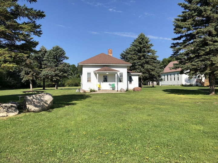 The Prairie Cottage (Bethany Prairie School)