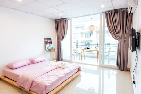 Sunshine balcony Master Suite near District 1 #401 - Bình Thạnh - Huoneisto