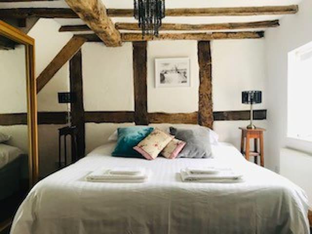 ROOM 3 -Tudor Arthouse Master Bedroom & En Suite.