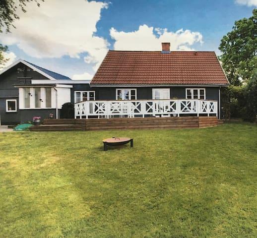 Lovely 148 kvm Villa, with beatiful wooden deck.