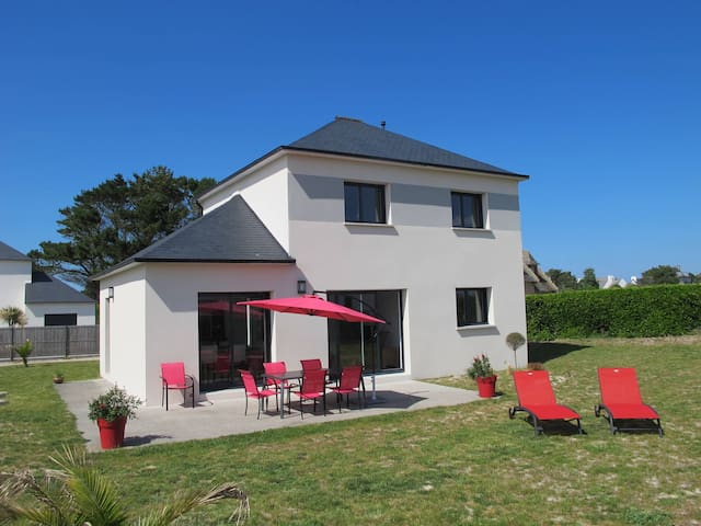 Holiday home in Cléder for 6 persons