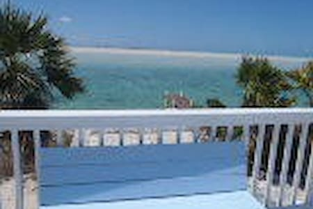 Poinciana View - Great Exuma Island - Casa