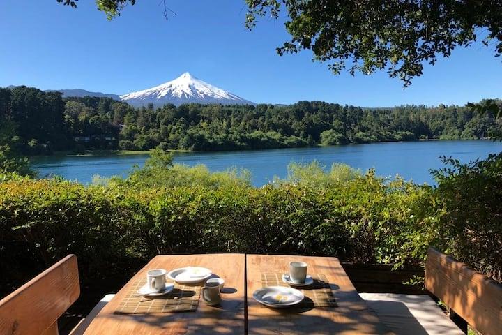 ECLIPSE 2020 vista al volcan, playa y tranquilidad