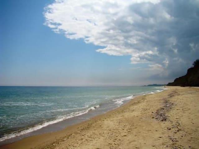 Пляж, отдых, дом  у моря в Леонидово, Санжейка, Черноморск, Одесса. Strand, Haus am Meer mieten. Beach, rent a house by the sea Leonidovo, Odessa.