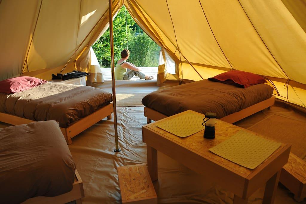 Intérieur de tente (couchages)