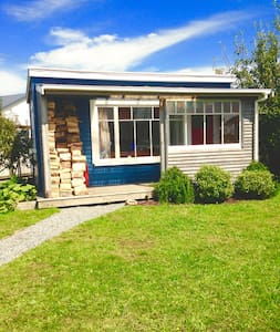 Little Blue House! Cozy sleep out! - Greymouth - Chalé