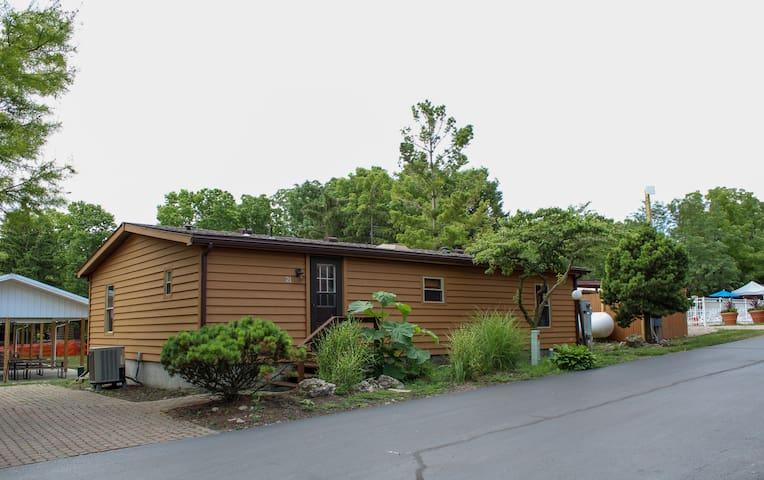 Island Club Rental Home at Put-in-Bay. 3 BR 2 BA and easily Sleeps up to 8 - Island Club #21