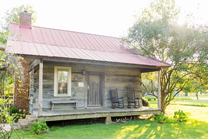 Cotton Gin Cabin Bed & Breakfast