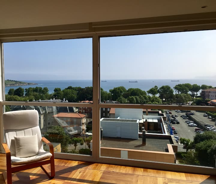 Apartment overlooking Sardinero