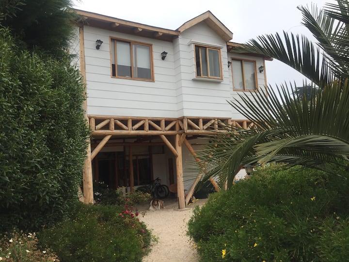 Acogedora casa en Cachagua (a pasos de la playa)