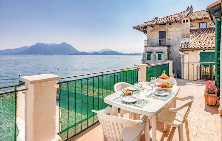 Terraced house with 2 bedrooms on 130m² in Stresa VB