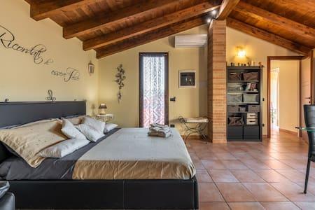 L'Isola Felice apartment  (P1045)