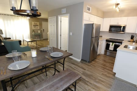 Freshly Remodeled Townhouse Old Town Scottsdale!