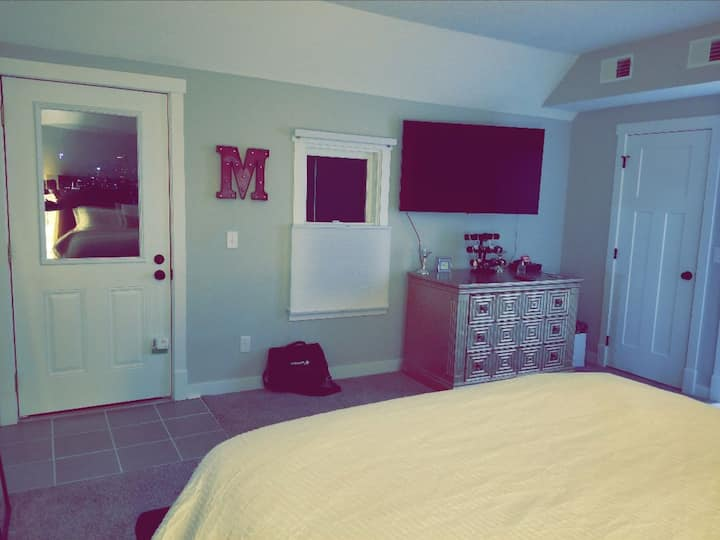 Awesome private room 2mins from Downtown St. Paul!
