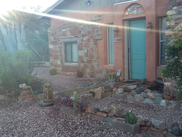 Peacock Peninsula - Healthy Living Accomodations - Cottonwood - Bed & Breakfast