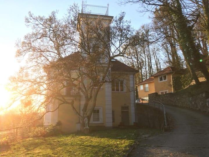 Live in a small Castle in Ottensheim