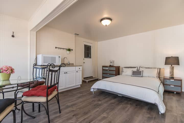 Charming NoHo guest Studio With  Private entrance.