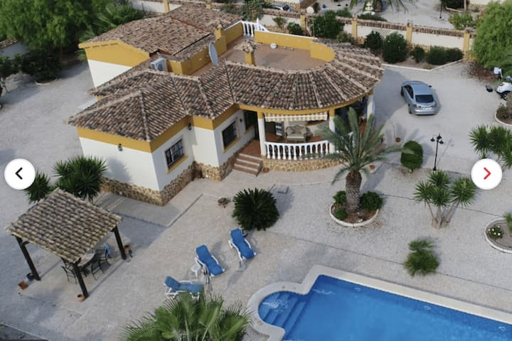Typical Spanish villa with lots of privacy