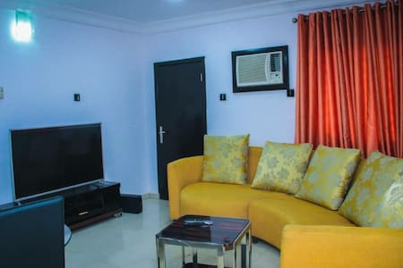 Aeroville 2-bed Apartment with kitchen Magodo GRA