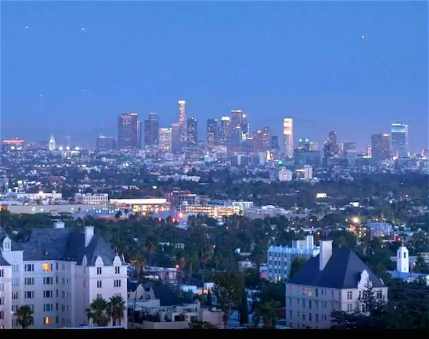 Hollywood Hills - Ideal Location!