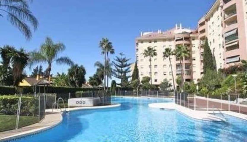 Marbella espléndida suite  céntrico, piscina