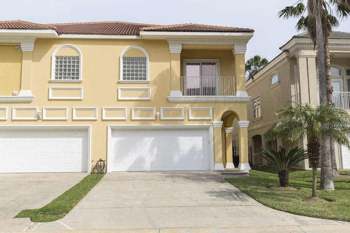 Modern House in Gated Community! Community Pool, Direct Beach Access!