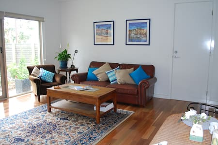 Modern house one hour from Adelaide - Encounter Bay - Inap sarapan