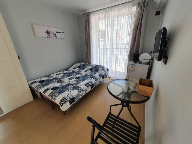 Небольшая комната для двоих