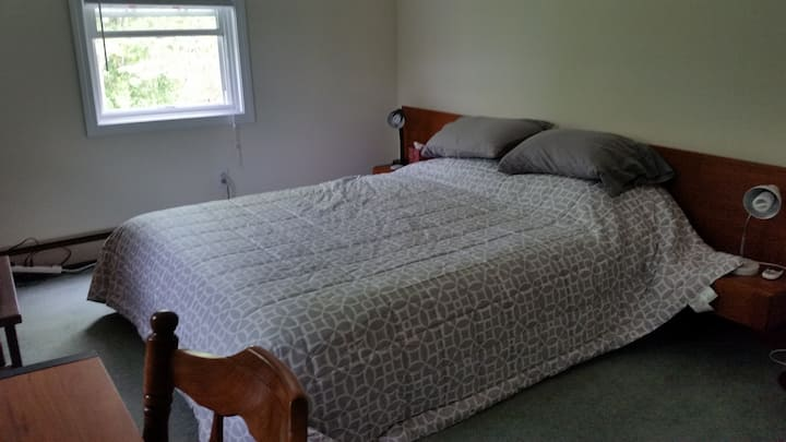 Guest Bedroom in Private home near Burlington, VT