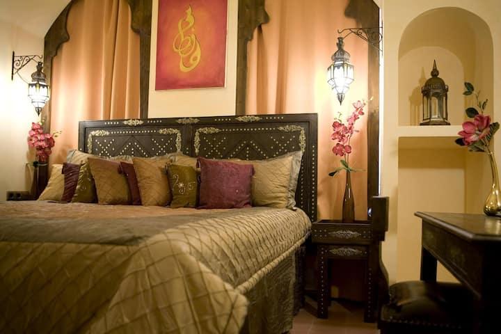 Zimmer im orientalischen Themenhotel Frankfurt