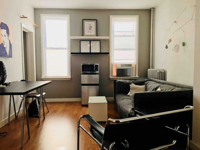 Sunny 1 bedroom Studio near Prospect Park