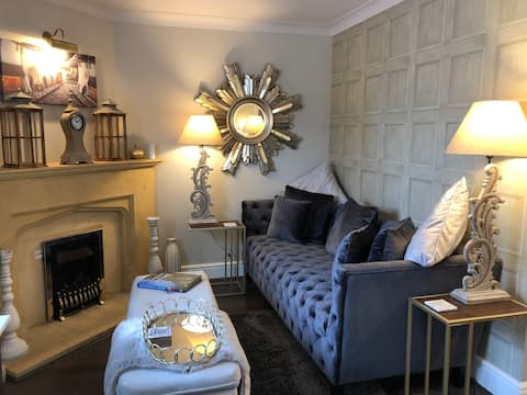 "Cotswold Chic Retreat ""Jacinabox"" Chipping Campden"