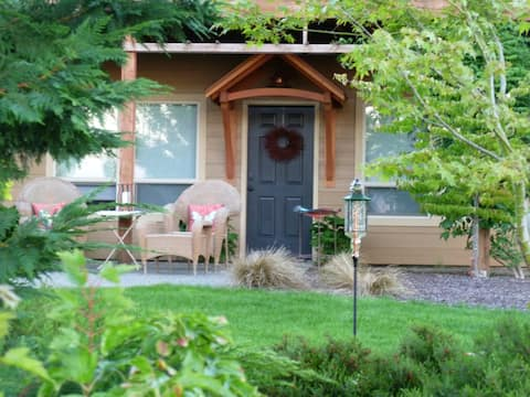 Washougal Oaks - Private Country Retreat